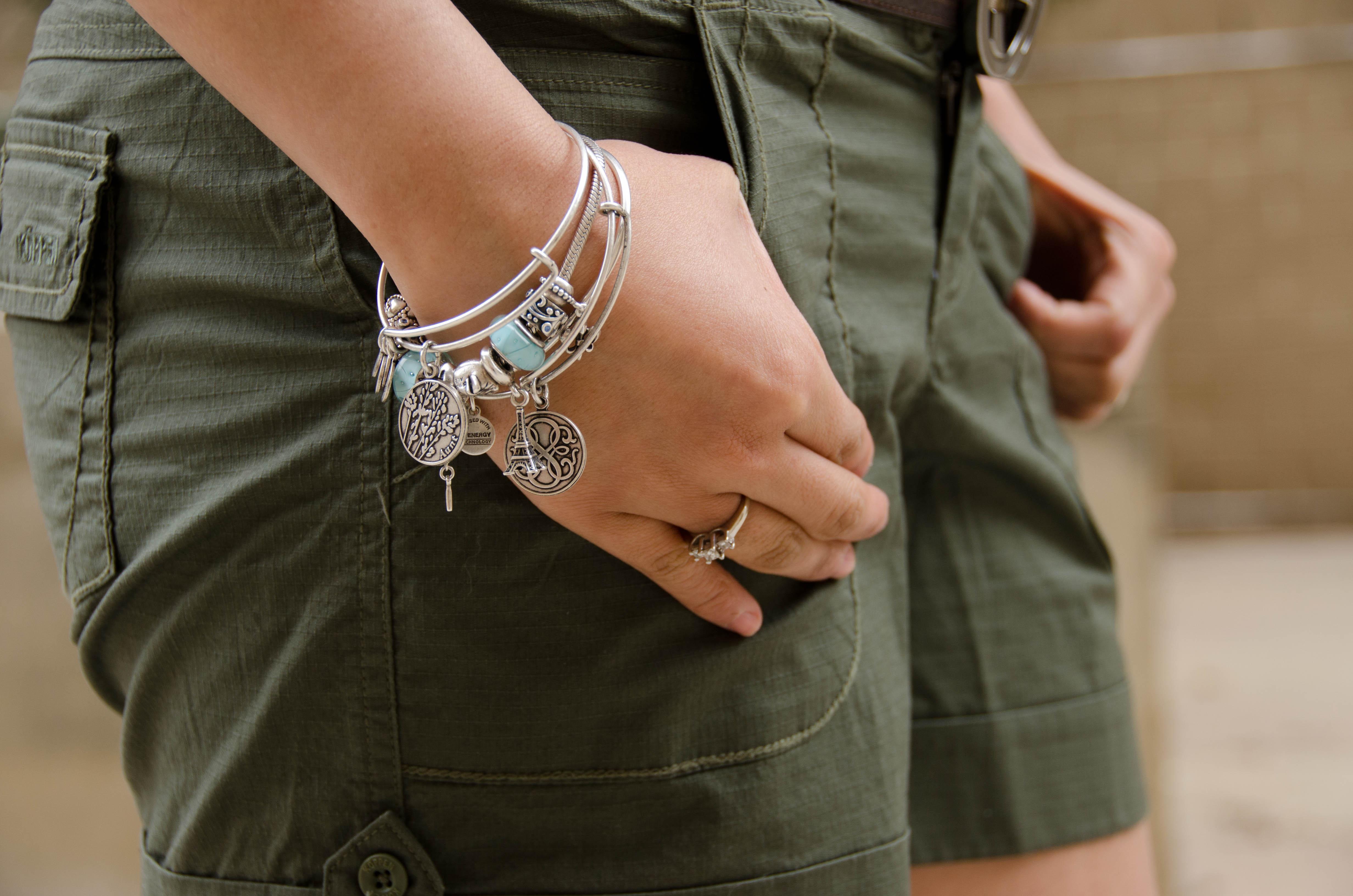 Alex And Ani Rhode Islands Answer To Pandora Bracelet How Wear
